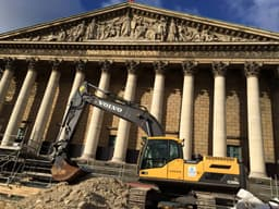 axel duvak chantier assemblee nationale terrassement